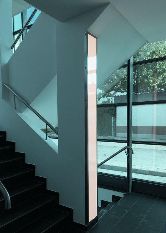 LED-Flächenlicht BASIC-W in einem Treppenhaus Flaechenlicht Lightpanel LED-Panel